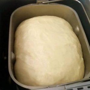 Рецепти тесту для піци для хлібопічки Філіпс: з дріжджами і без