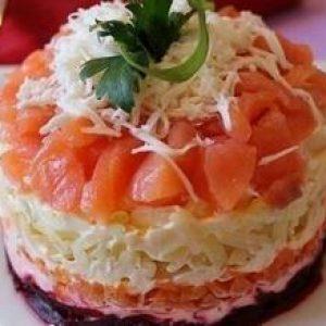 Рецепт салату з слабосоленої сьомги