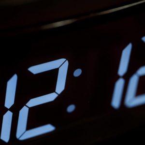 Що означають однакові числа на годинах