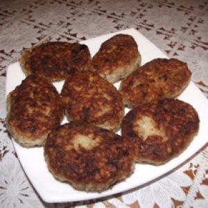 Рецепт смачних котлет з консерви з рисом