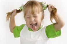 Дитяча істерика, що робити — яскравий прояв емоцій