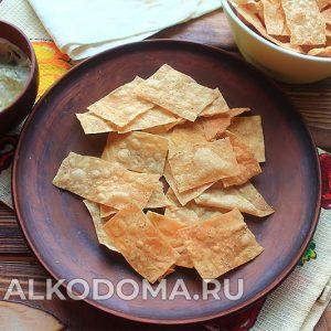Швидкі і смачні чіпси з лаваша до пива: ціла миска готується за 15 хвилин