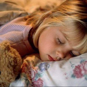 Вчимо дитину правильно засинати самостійно